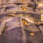 La storia del denim: dalla moda alle auto sportive