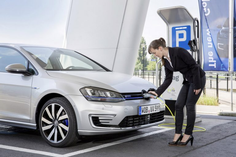 Volkswagen-Golf-GTE-ibrido-parallelo