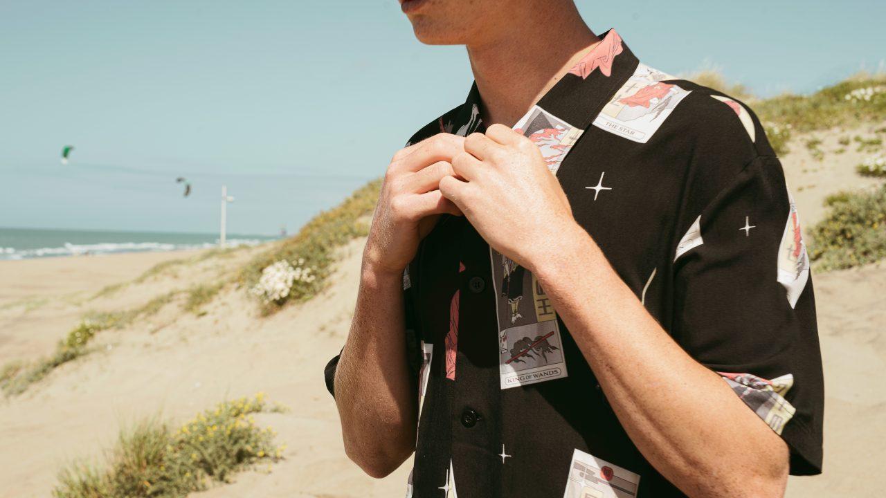 La camicia hawaiana è tornata di moda